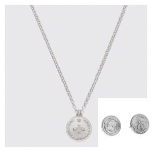 """NWT/UNISEX GUCCI """"G"""" & BEE Coin Medallion Necklace"""
